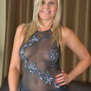 Femme divorcée de 48 ans cherche plan cul